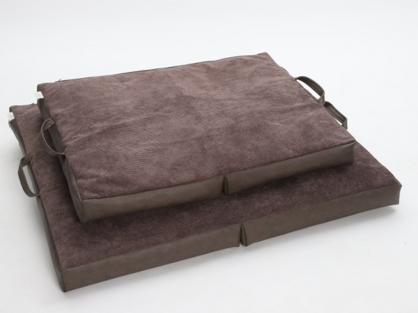DOGS in the CITY Travel Bed Braun